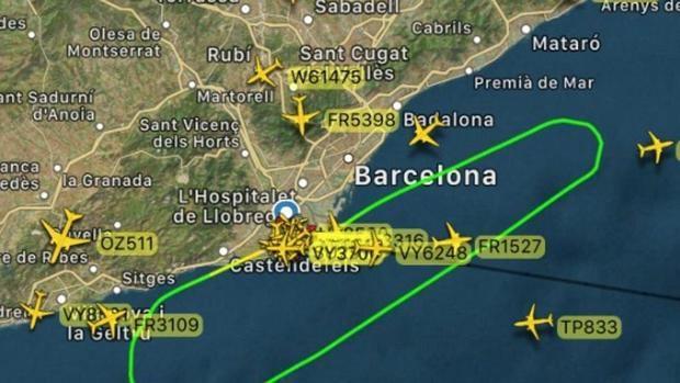 Recorrido del avión israelí desde que salió del aeropuerto hasta que tuvo que dar media vuelta al poco de despegar.