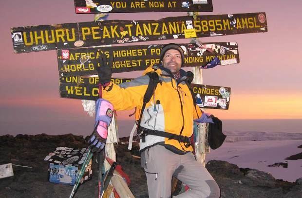 L'alcalde José Ignacio Aparicio al cim més alt de l'Àfrica, el Kilimanjaro.
