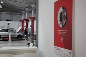 Volkswagen abre en L'Hospitalet su primer centro 'Direct Express' de España