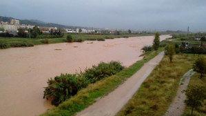 La zona baja del Llobregat puede desbordarse por las lluvias