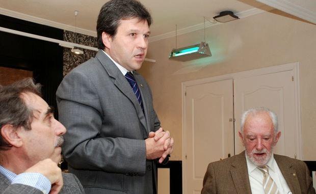 Juan Manuel Lora durante la conferencia sobre la situación económica actual.