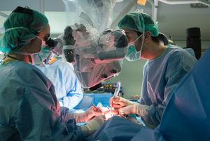 Microcirugía de mama en el Hospital de Bellvitge.