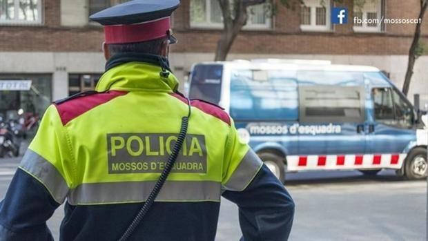 Detenidos tres miembros de una banda tras robar dos veces seguidas en el mismo domicilio de L'Hospitalet