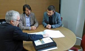 Josep-Ramon Mut, en el centro, durante la presentación del estudio