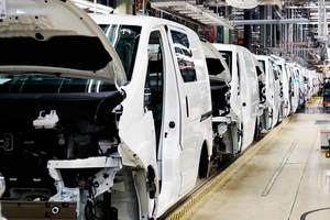 La amenaza de una demanda judicial de los sindicatos frena el ERTE de Nissan