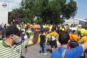 Los trabajadores de las empresas auxiliares y subcontratadas por Nissan exigen un trato igualitario