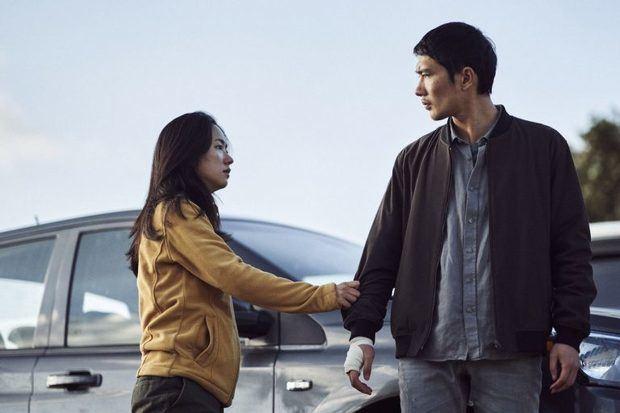 """""""Noche en el paraíso"""" (2020): Un gran thriller sobre la mafia de Park Hoon-jung. Tan bueno como violento"""