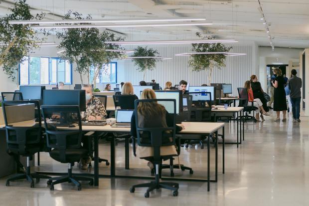 La empresa Esteve Teijin inaugura nueva sede central en Castelldefels
