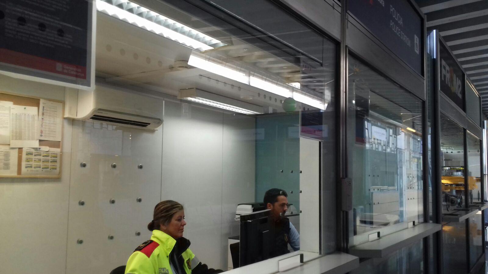 mossos traslada su oficina de atenci n ciudadana al centro