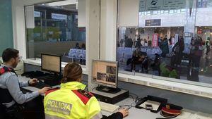 Mossos traslada su oficina de atención ciudadana al centro de la Terminal 2