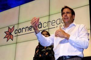 Pérez durante su conferencia sobre ciberseguridad en Cornellà.