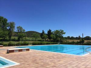 El Ayuntamiento de Begues pone a disposición de los ciudadanos la entrada gratuita a la piscina municipal