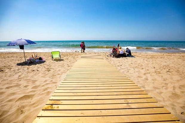 Gairebé 5 milions d'usuaris visiten les platges metropolitanes del Baix Llobregat