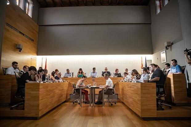 El Pleno de El Prat rechaza la sentencia del 'procés'
