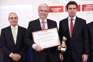 La Revista Dirigentes premia al Consorcio de la Zona Franca de Barcelona por su trayectoria empresarial