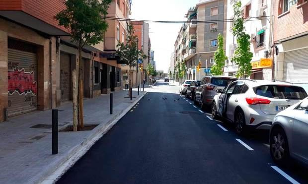 L'Hospitalet estrena la reforma urbanística de la calle de Francesc Moragas
