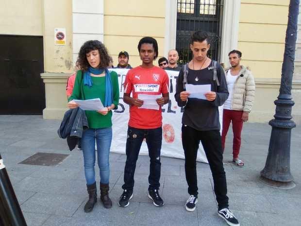 Miembros de la TancadaLH vuelven a reclamar sus derechos ante el Ayuntamiento