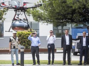Uno de los primeros vuelos de prueba con drones entre Abrera y Martorell.