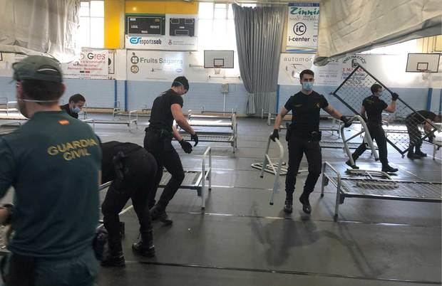 Drama en Sant Andreu: pacientes sedados en el CAP y el hospital de campaña cerrado