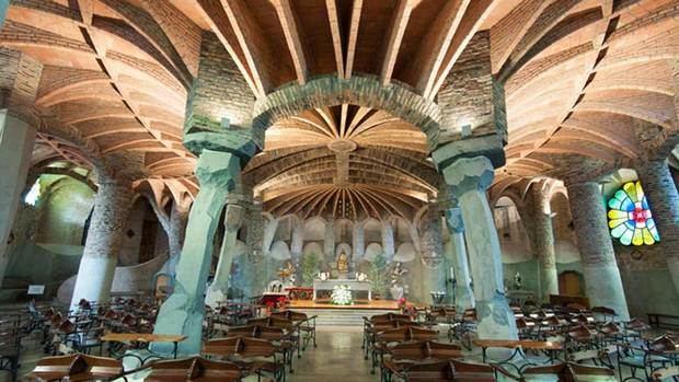 Santa Coloma de Cervelló: Entre el poble i Gaudí