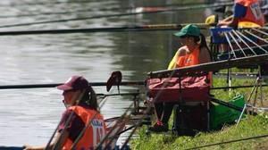 Susana Siles, una campiona del món de pesca al Llobregat