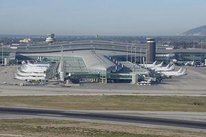Plataforma de estacionamiento de la T1 del Aeropuerto de El Prat.