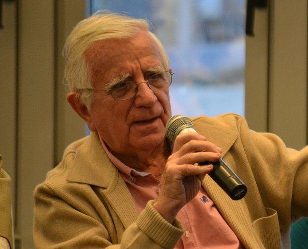 Mención honorífica de la Generalitat al periodista Tomás Alcoverro