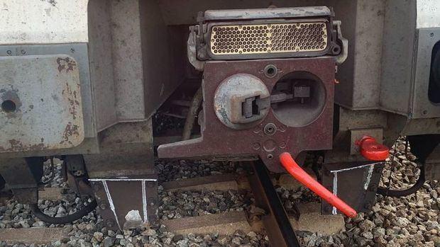 Un tren de Rodalies descarrila en su entrada en la estación de El Prat de Llobregat