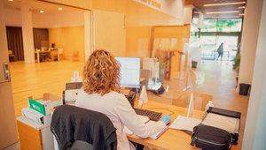 El Prat reforça l'atenció social per l'emergència de la Covid-19 amb una oficina integral a La Palmira