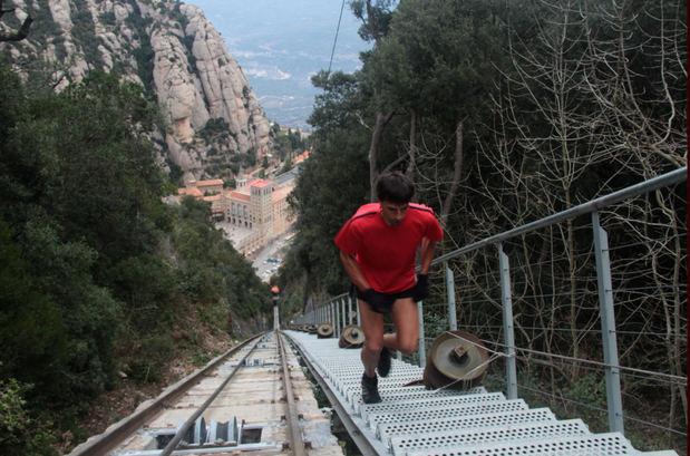 Montserrat acull la primera cursa vertical d'Espanya