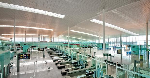 Continúa la caída en picado del aeropuerto de El Prat por la crisis del covid-19