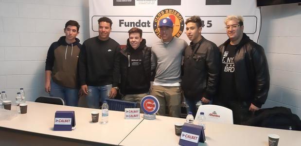 Firma y presentación de Frank Hernández como nuevo jugador de los Chicago Cubs, el pasado 5 de diciembre en el Estadio Olímpico del Club Béisbol Viladecans