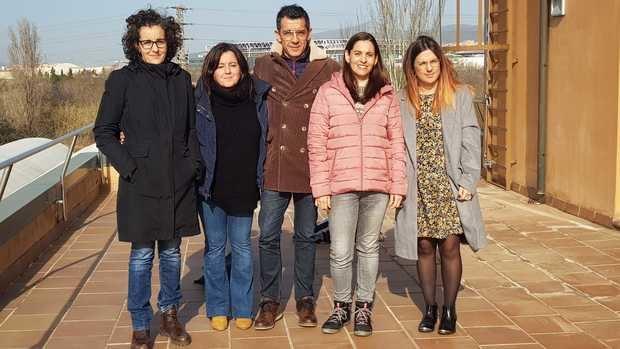 Eva Martínez -segunda por la derecha- junto a diferentes representantes de los ayuntamientos de Viladecans, Gavà, Sant Boi y El Prat, tras la reunión para valorar los efectos del temporal Gloria en el Parc Agrari