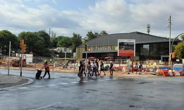 Las obras de la plaza de la República de Sant Boi encaran su recta final