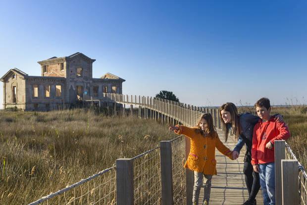 El Baix Llobregat celebra l'abril més familiar de la història