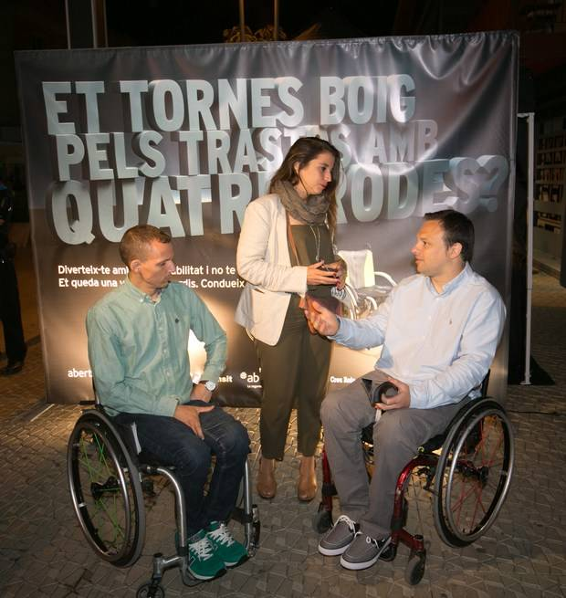 Imagen de la anterior edición con voluntarios de la entidad junto a la entonces alcaldesa, Candela López