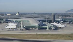 El número de pasajeros en el aeropuerto del Prat cae un 79% en agosto respecto al año anterior
