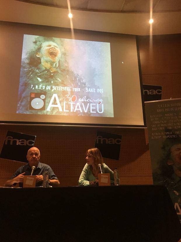 La presentación tuvo lugar ayer en la FNAC El Triangle.