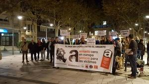 Concentraci� pr�via, al novembre de 2015, del Ple Municipal de El Prat