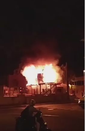 Un doble incendio quema 'La Terrasseta' del Ateneu Santboià