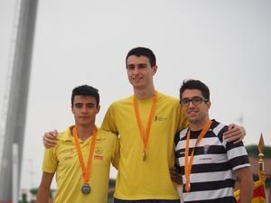 Miquel Doménech en el podio del 800mll del Campionat de Catalunya sub-23.