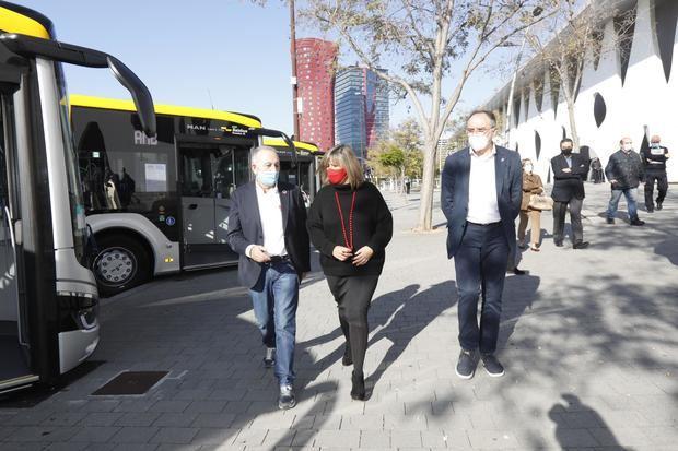 La flota de buses de L'Hospitalet y el Baix incorpora 12 vehículos híbridos