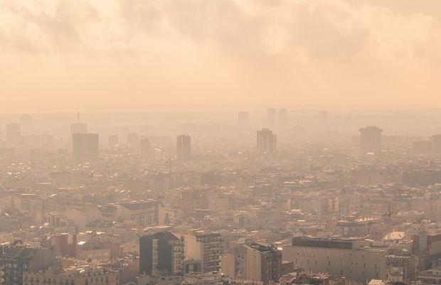 Alerta en el Baix Llobregat y L'Hospitalet por contaminación atmosférica