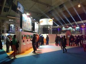 Uno de los stands de Barcelona Games World donde probar algunos de los nuevos videojuegos que saldrán el año que viene al mercado.