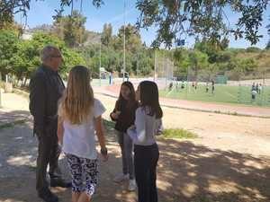 Bargalló promociona el plan educativo 0-20 durante su visita a los colegios de Esplugues