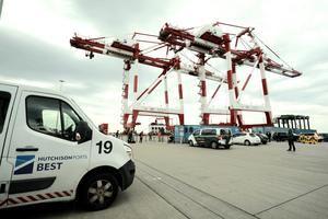 La terminal BEST del Port de Barcelona amplía su capacidad para operar con grandes buques