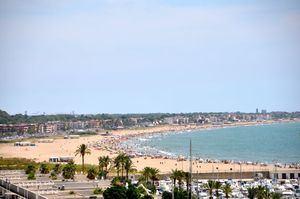 La playa de Les Botigues de Sitges, muchas veces confundida con la de Castelldefels.