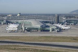 El aeropuerto de El Prat cae en picado en noviembre y roza la parálisis total por culpa del covid-19