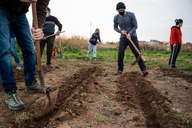 Frente abierto en El Prat entre el ayuntamiento y los activistas ecologistas por el Camp de la Bunyola