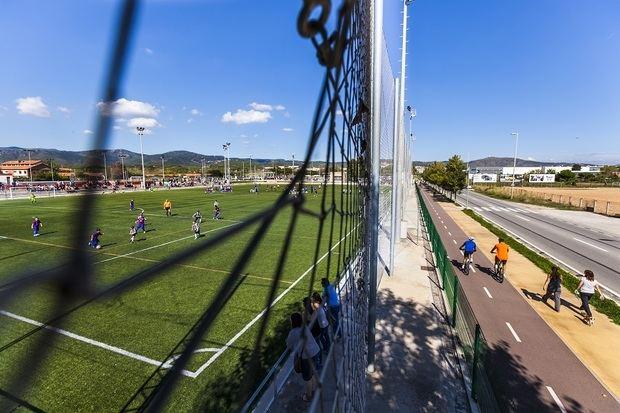 Gavà suspende las actividades del polideportivo de Can Torelló por contaminación del suelo